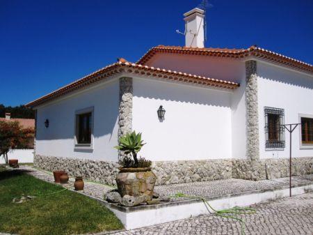 Image 3, 4 Bedroomed Villa : AV1218