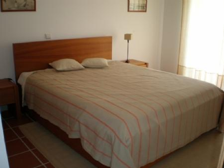Image 4, 3 Bedroomed Apartment : AA210