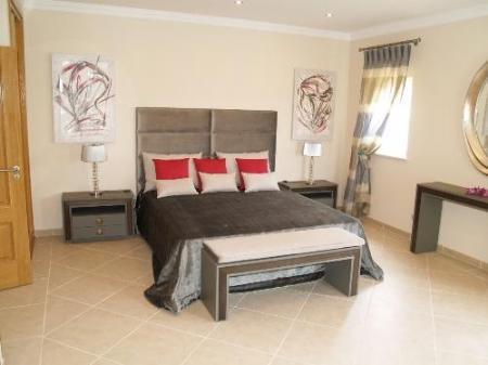 Image 2, 4 Bedroomed Villa : DV354