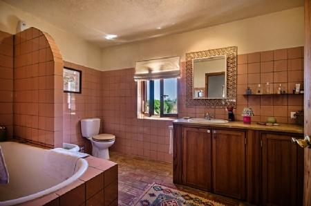 Image 7, 3 Bedroomed House : GV330