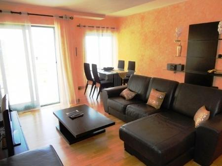 Image 3, 2 Bedroomed Apartment : CAF1484