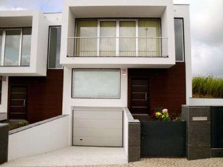 Image 2, 3 Bedroomed Villa : AV1257