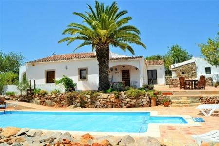 Image 1, 4 Bedroomed Villa : KV3617657