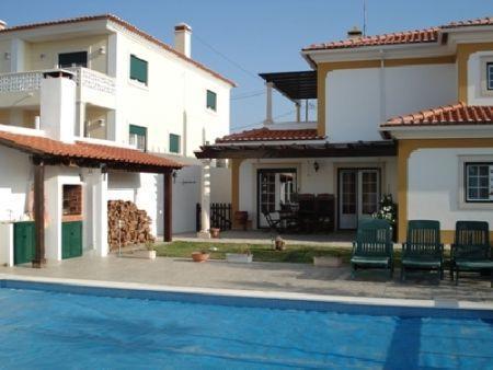 Image 1, 4 Bedroomed Villa : AV382