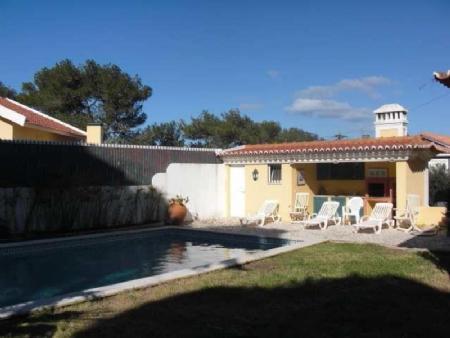 Image 1, 4 Bedroomed Villa : AV1296
