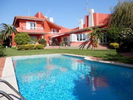 Image 2, 5 Bedroomed Villa : AV1295