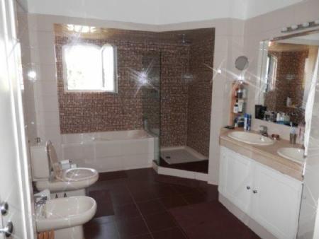 Image 14, 5 Bedroomed Villa : AV1295