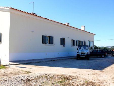 Image 1, 4 Bedroomed Villa : AV1103