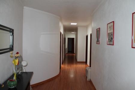 Image 3, 6 Bedroomed House : JV1566