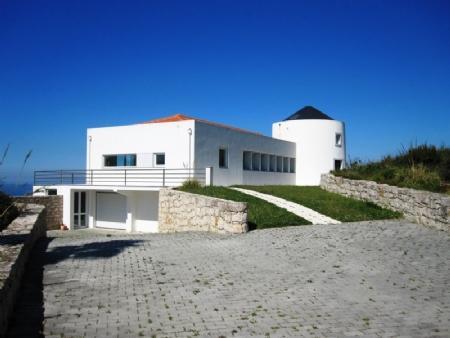 Image 1, 4 Bedroomed Villa : AV1317