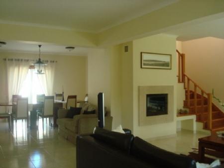 Image 4, 4 Bedroomed Villa : AV1318