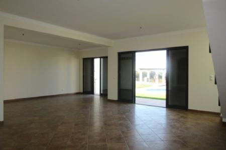 Image 3, 2 Bedroomed Villa : AV984
