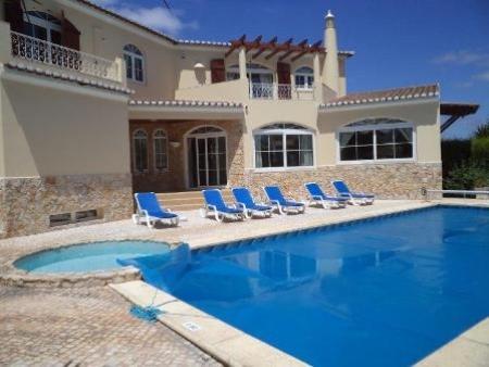 Image 1, 4 Bedroomed Villa : GV339