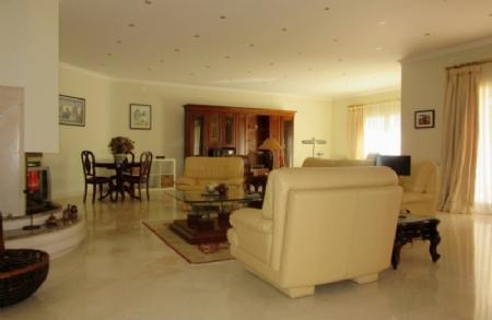 Image 2, 5 Bedroomed Villa : AV1347
