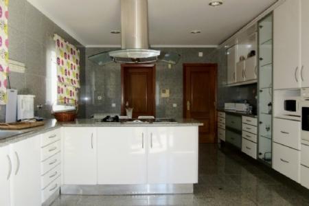 Image 4, 5 Bedroomed Villa : AV1347