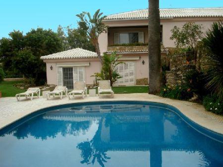 Image 1, 4 Bedroomed Villa : AV788