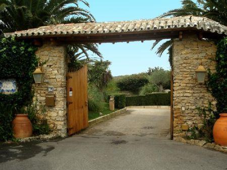 Image 4, 4 Bedroomed Villa : AV788