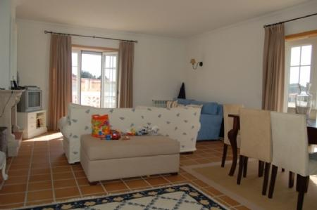 Image 3, 2 Bedroomed Apartment : AA212