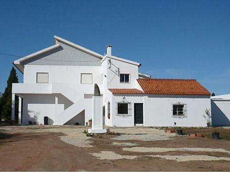 Image 1, 6 Bedroomed Villa : AV1005