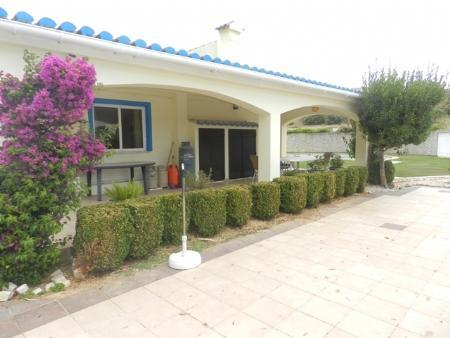 Image 1, 3 Bedroomed Villa : GV367