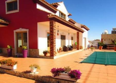Image 2, 4 Bedroomed Villa : AV820