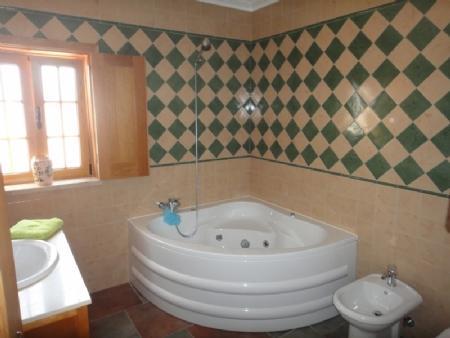 Image 12, 4 Bedroomed Villa : AV820