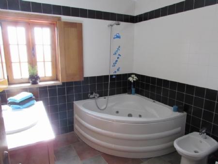 Image 25, 4 Bedroomed Villa : AV820