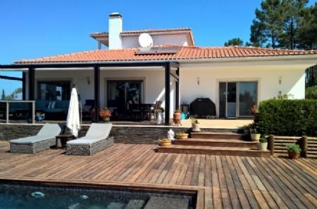 Image 2, 4 Bedroomed Villa : AV1367