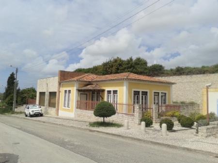 Image 1, 3 Bedroomed Villa : AV1331