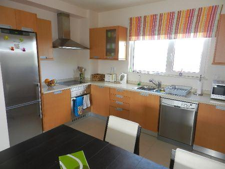 Image 4, 3 Bedroomed Apartment : GA122