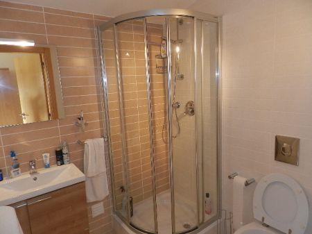 Image 7, 3 Bedroomed Apartment : GA122