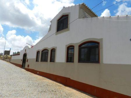 Image 12, 3 Bedroomed House : GV311