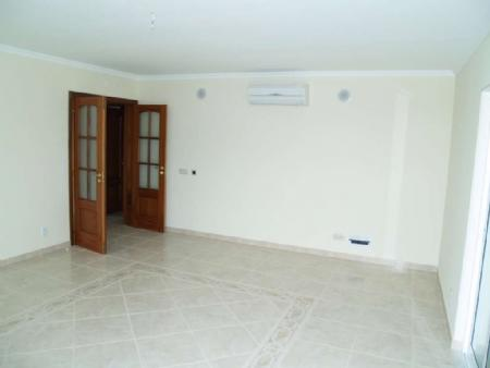Image 5, 2 Bedroomed Apartment : DA4929
