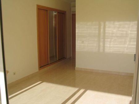 Image 4, 2 Bedroomed Apartment : GA013