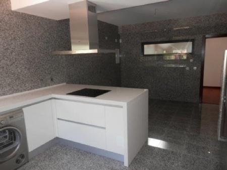 Image 4, 4 Bedroomed Villa : AV1358