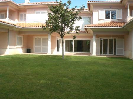 Image 1, 5 Bedroomed Villa : AV1052