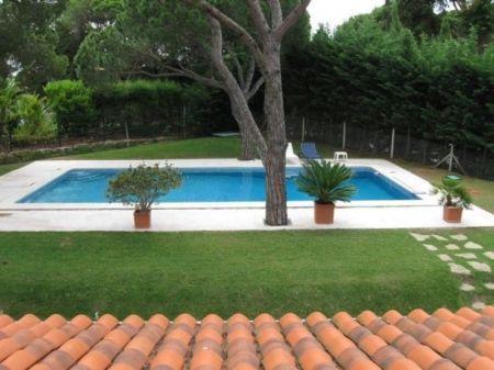 Image 2, 5 Bedroomed Villa : AV1052