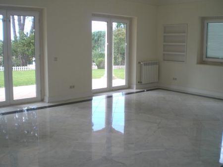 Image 3, 5 Bedroomed Villa : AV1052