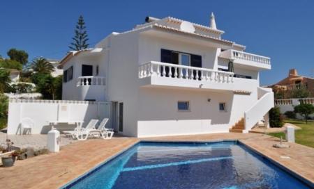 Image 1, 4 Bedroomed Villa : GV395