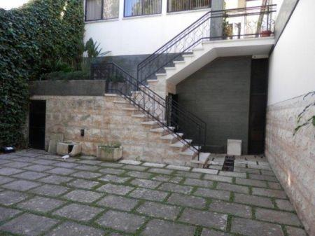 Image 7, 5 Bedroomed Villa : AV1226