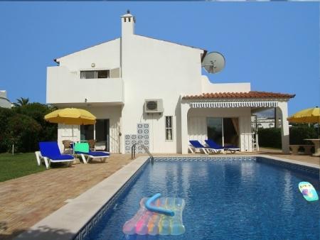 Image 1, 4 Bedroomed Villa : CV1648
