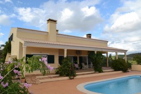 Image 1, 4 Bedroomed Villa : GV396