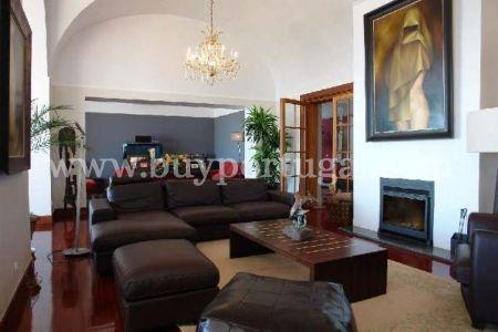 Image 7, 7 Bedroomed House : GV453