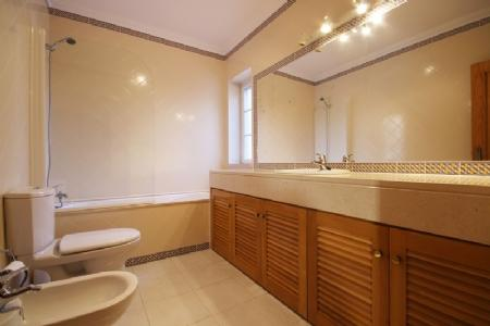 Image 5, 2 Bedroomed Apartment : AA199