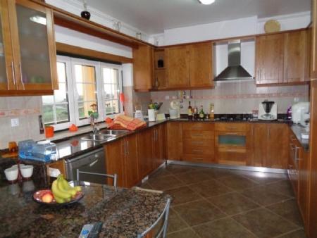 Image 2, 3 Bedroomed Villa : AV1426