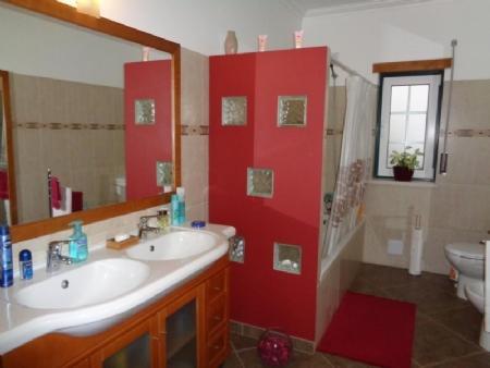Image 8, 3 Bedroomed Villa : AV1426