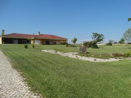 Image 3, 4 Bedroomed Villa : AV1602
