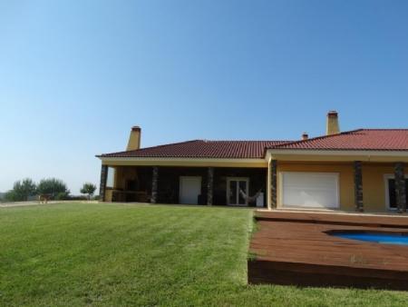 Image 21, 4 Bedroomed Villa : AV1602