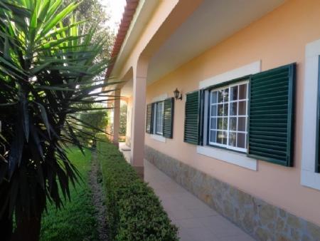 Image 2, 4 Bedroomed Villa : AV1607