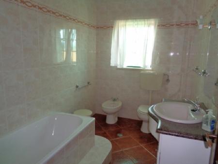 Image 10, 4 Bedroomed Villa : AV1607